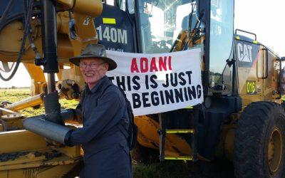 Environmentalists condemn Queensland lock-on laws